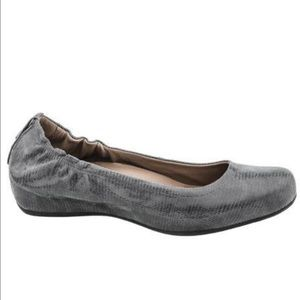 Earthies Gray Hidden Wedge Printed Suede Shoes
